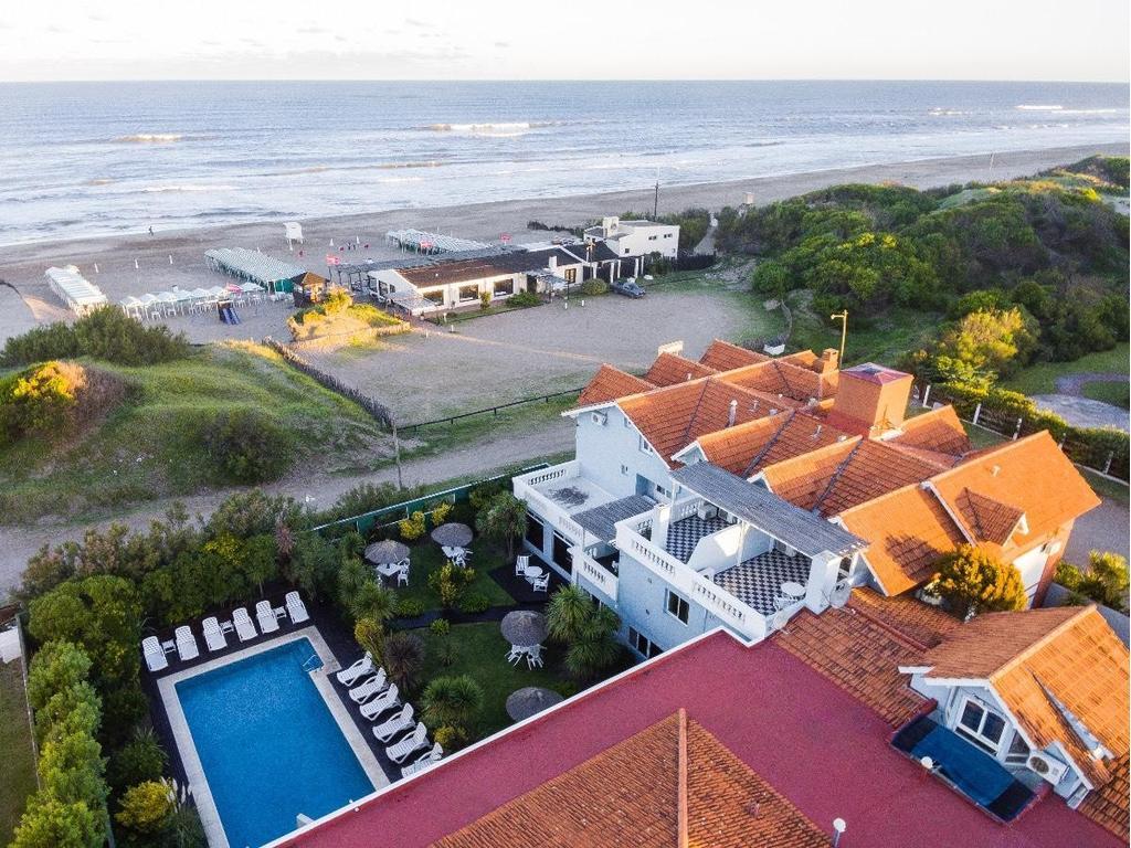 Frente al mar. Hotel y Apart en Ostende, Pdo. de Pinamar