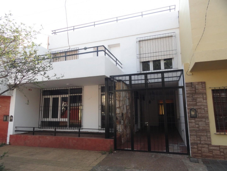 Casa en Alquiler Céntrica de 2 Dormitorios