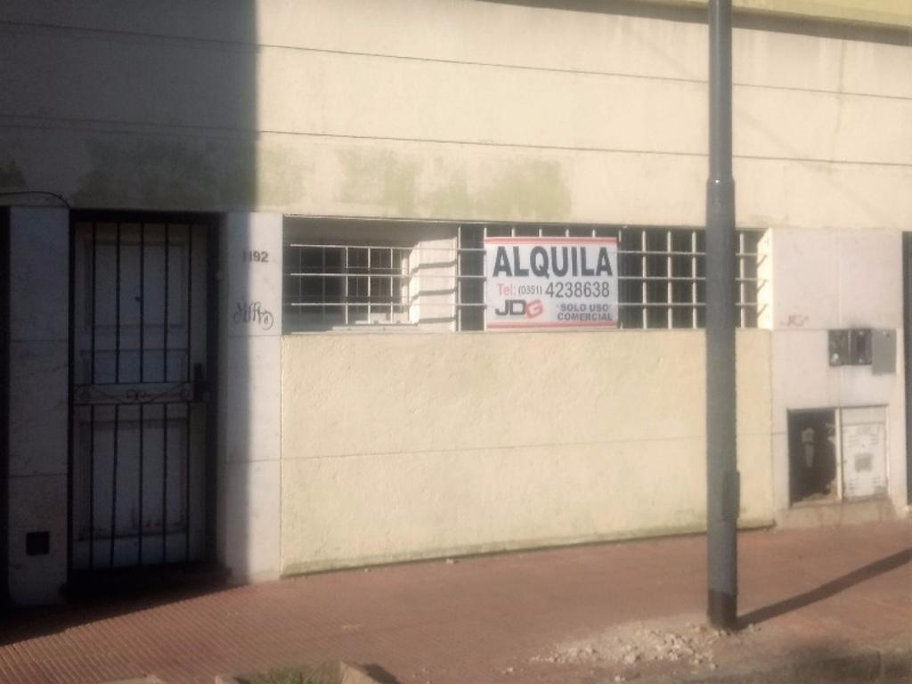OFICINA EN ALQUILER A DOS CUADRAS SHOPPING NUEVOCENTRO