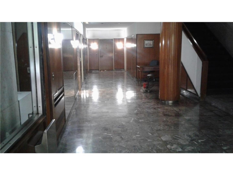 Araoz y Paraguay - 3 Amplios ambientes con dep. y cochera. BAJAS EXPENSAS