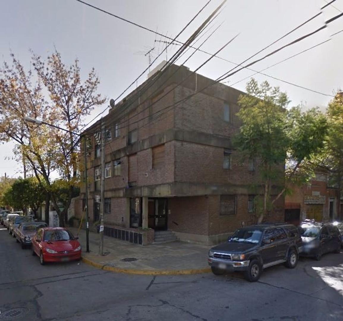 departamento 2 amb. bajas expensas a 1 cuadra de Av. Centenario