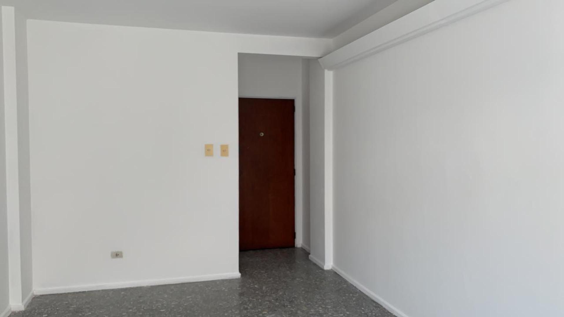 Departamento en Alquiler - 3 ambientes - $ 18.000
