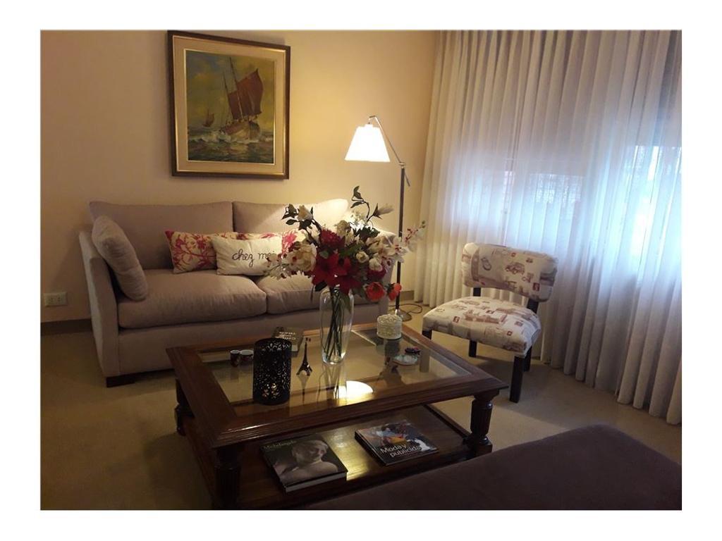 Casa en venta 6 amb c cochera en Villa del Parque