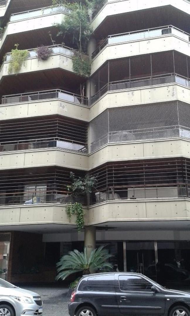 semipiso de 2 dormitorios con depcias con 2 cocheras en edificio con amenities