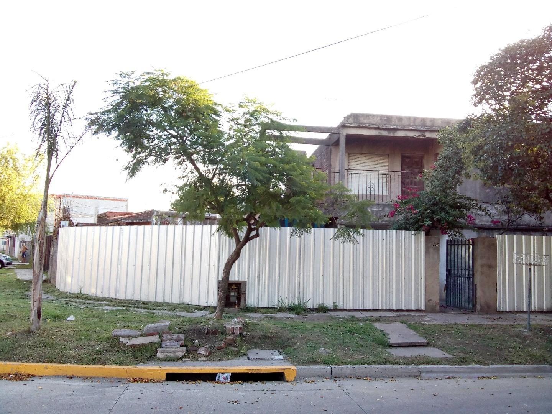 Casa en venta en Victoria - San Fernando! A refaccionar -  Posibilidad de dos viviendas!