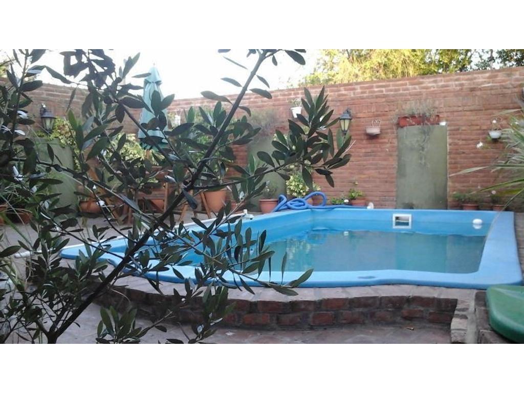 Casa en venta en aviador macias 6814 ciudad jardin del for Alquileres en ciudad jardin el palomar