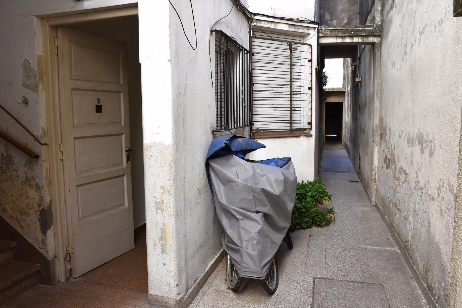 DEPARTAMENTO TIPO CASA 2 AMBIENTES AL CONTRA FRENTE A RECICLAR | VILLA ORTUZAR | CAPITAL FEDERAL