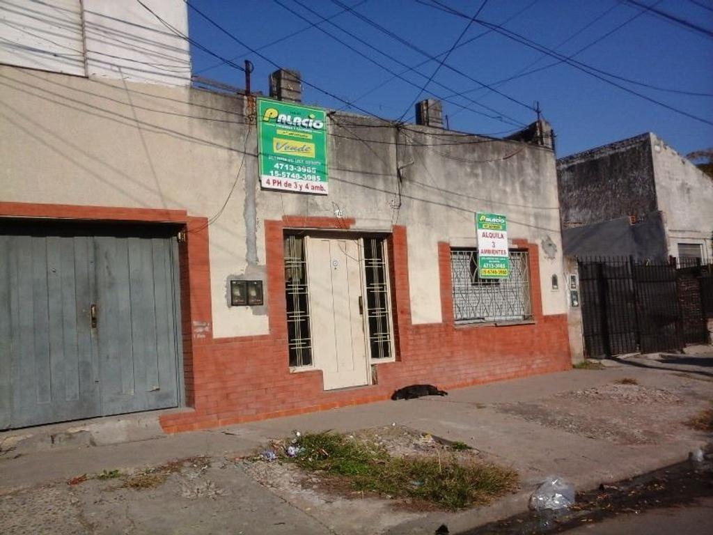PH 3 AMB. C/ 2 DORMITORIOS, COCINA/COMEDOR, BAÑO, PATIO.