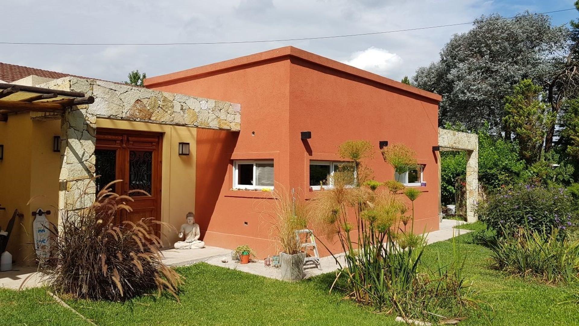 Excelente Casa en Barrio Parque el Cazador