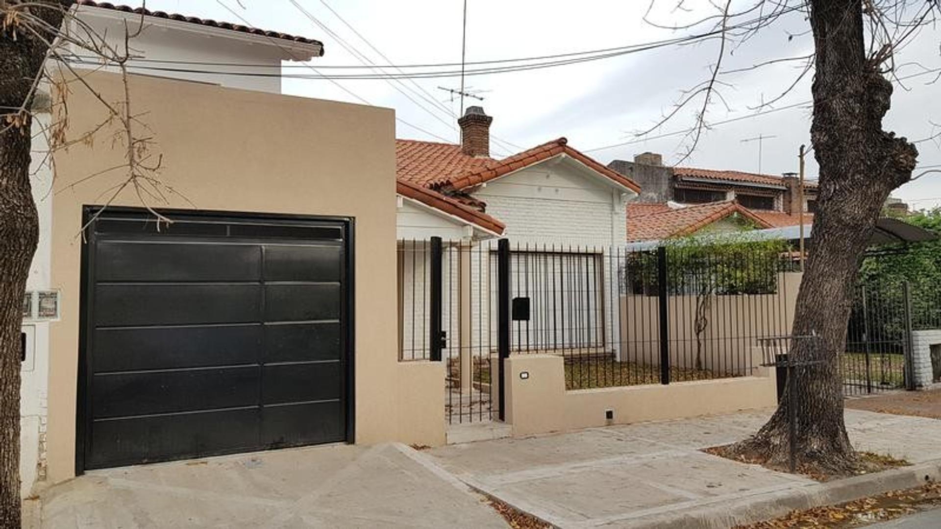 Casa en Venta en Olivos Maipu/Uzal - 7 ambientes