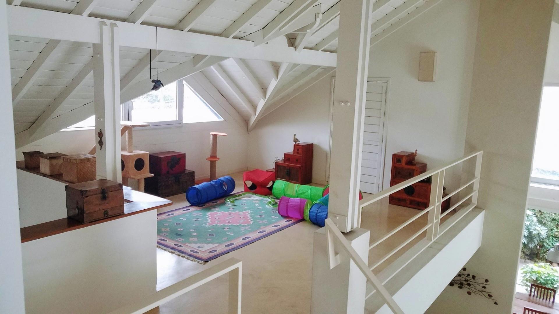 - Espectacular casa de muy  buen gusto, onda  y calidad, ubicada en una muy lindo lugar! - - Foto 17