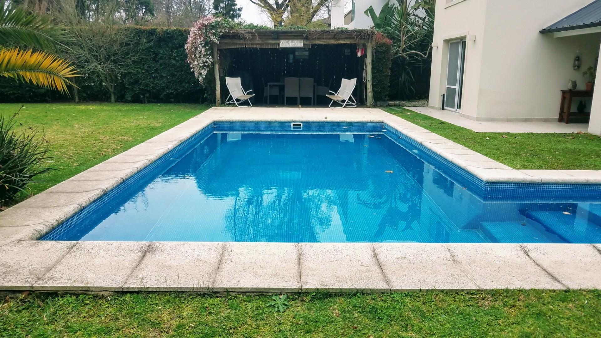 - Espectacular casa de muy  buen gusto, onda  y calidad, ubicada en una muy lindo lugar! - - Foto 24