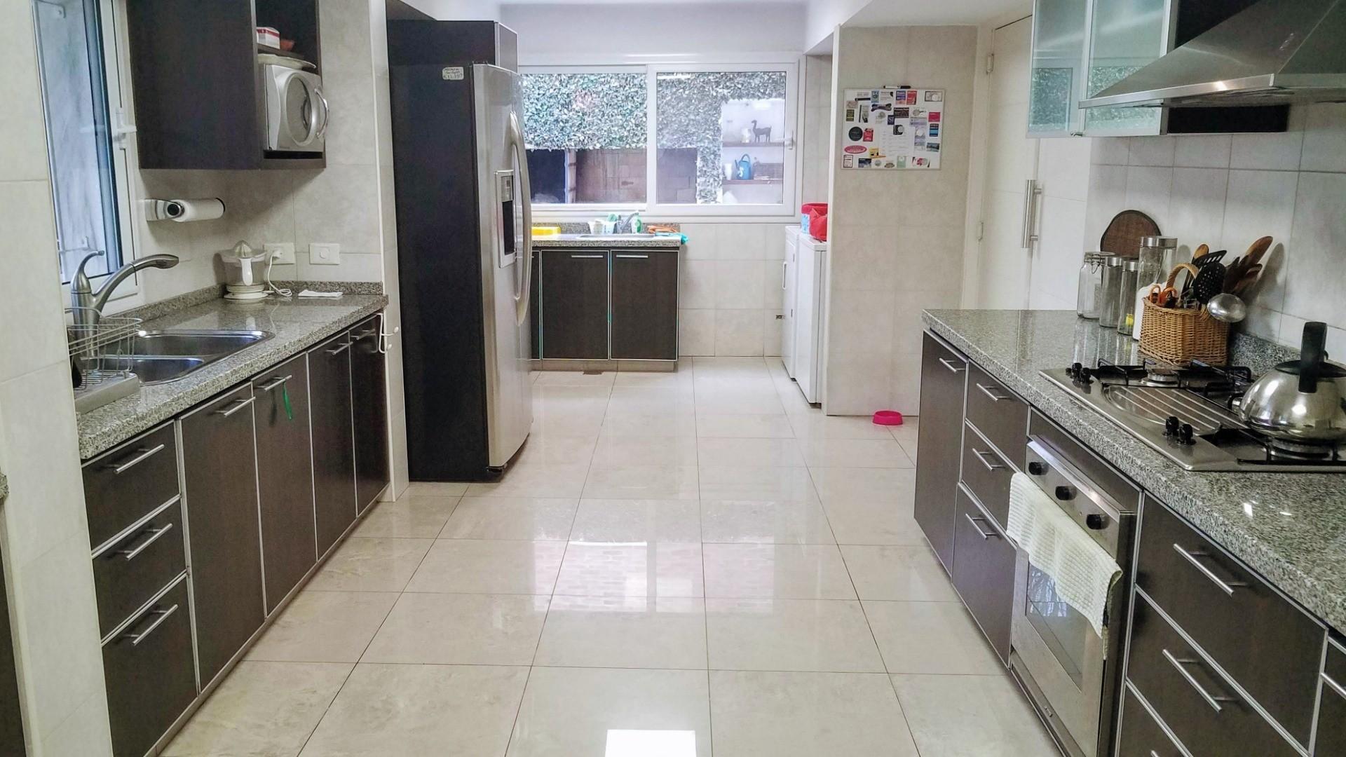 Casa - 264 m² | 3 dormitorios | 12 años