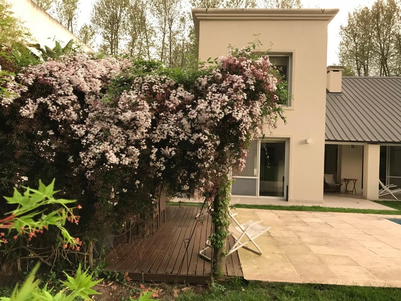 - Espectacular casa de muy  buen gusto, onda  y calidad, ubicada en una muy lindo lugar! - - Foto 26
