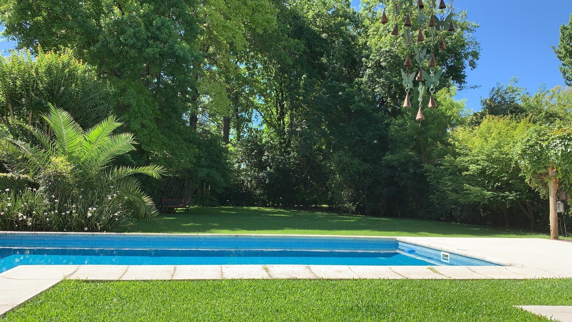 - Espectacular casa de muy  buen gusto, onda  y calidad, ubicada en una muy lindo lugar! - - Foto 25