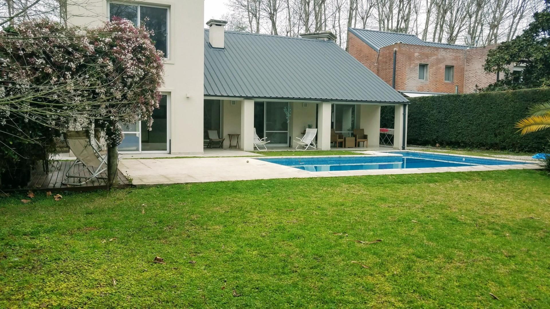 - Espectacular casa de muy  buen gusto, onda  y calidad, ubicada en una muy lindo lugar! - - Foto 21