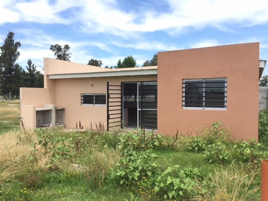 Excelente Casa a Estrenar en el Barrio La Raquela 133 y 85