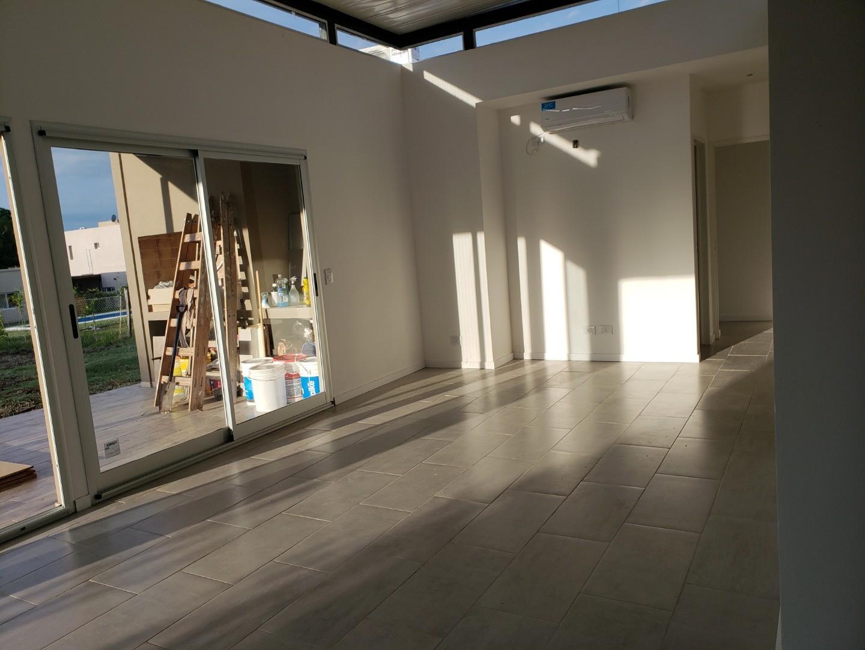 Casa en Venta - 4 ambientes - USD 189.000