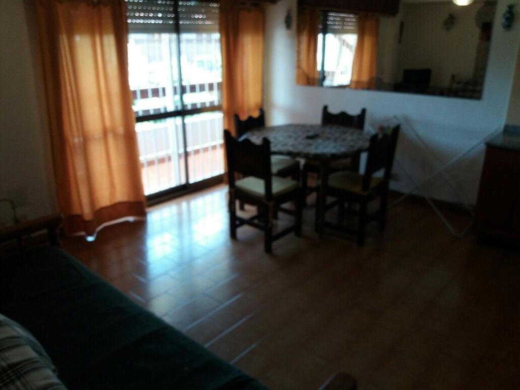 Alquiler Temporario de departamento 2 ambientes, para 4 personas, en Villa Gesell.-