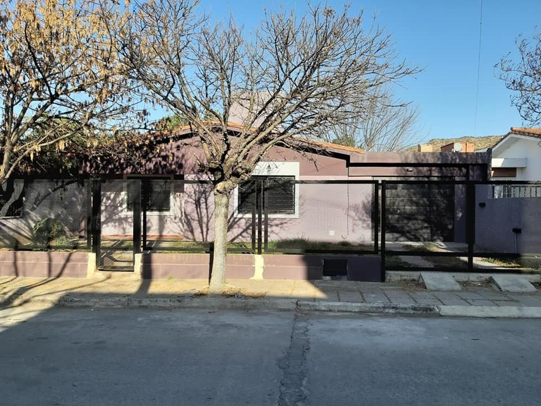 Casa en Venta - 4 ambientes - USD 149.000