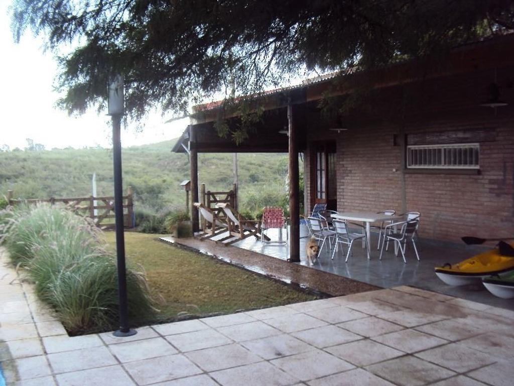 Vendo hermosa casa de 3 dormitorios en Villa Rumipal