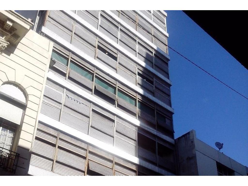 Departamento 3 dormitorios a la venta en Rosario. Sarmiento 700. Esxcelente estado.