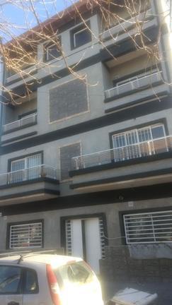 ph 2 amb 1º piso por escalera al frente c/ bcon