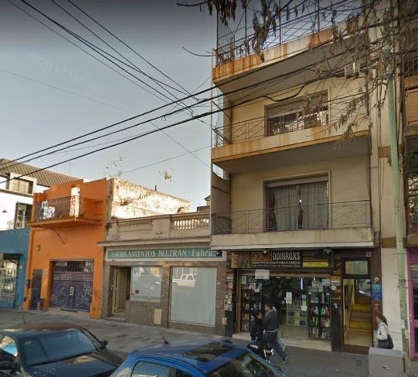 Edificio en alquiler, Flores.